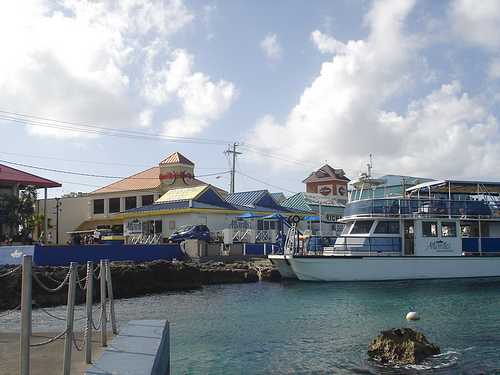Grand Cayman cruise ship harbor